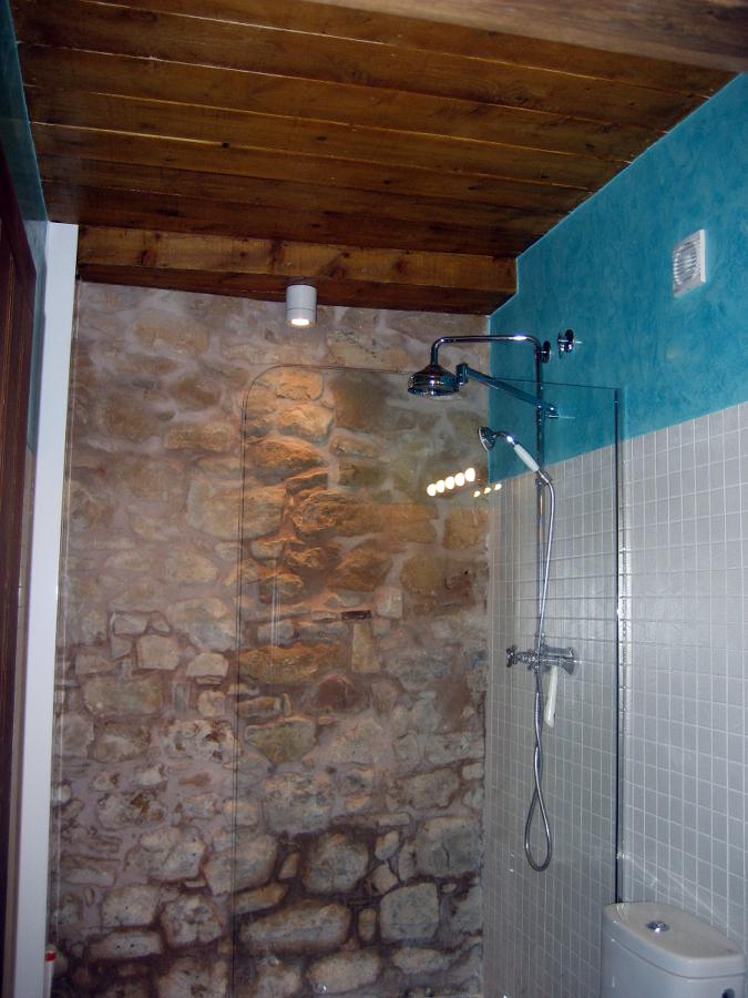 Foto cuarto de ba o con estuco a la cal de propintors - Fotos cuartos de bano ...
