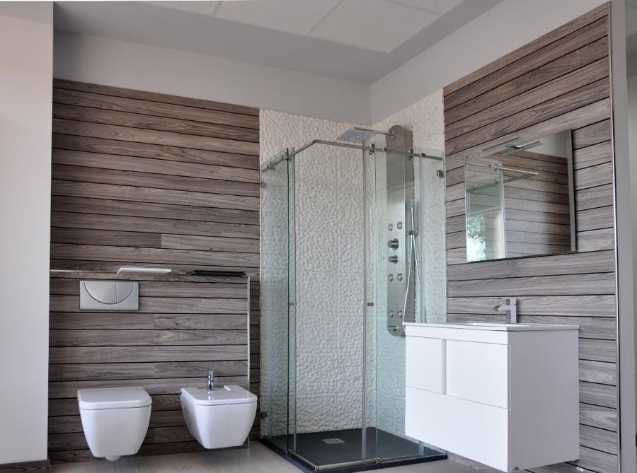 Foto exposici n cuarto de ba o de edicon 236874 Revestimiento bano moderno