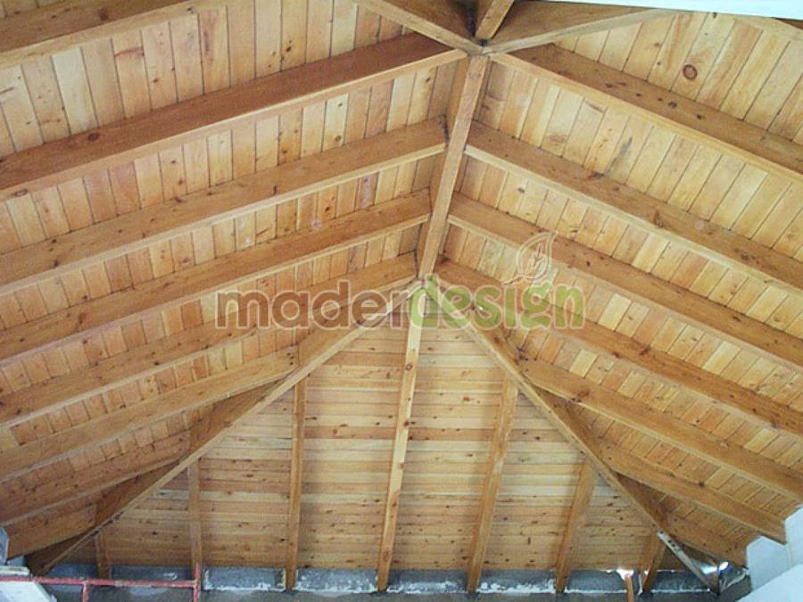 Foto cubierta a 4 aguas de tecno madera sl 528831 for Como hacer un techo a cuatro aguas