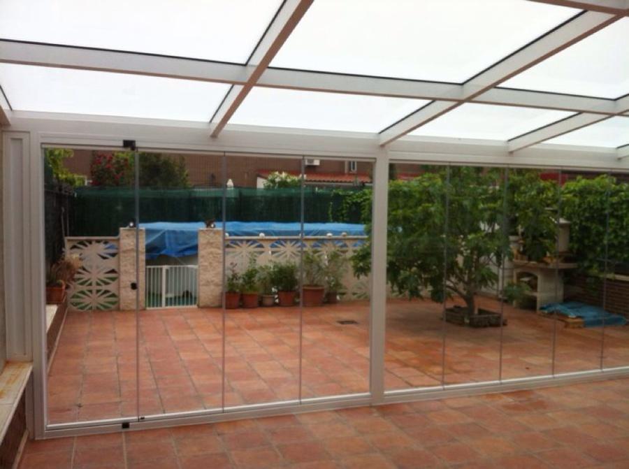 Foto cubierta fija de vidrio frente cortina de cristal de - Cubiertas de cristal ...