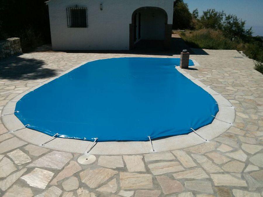Foto cubierta mantenimento piscina de naturpez piscinas for Piscina cubierta zaragoza