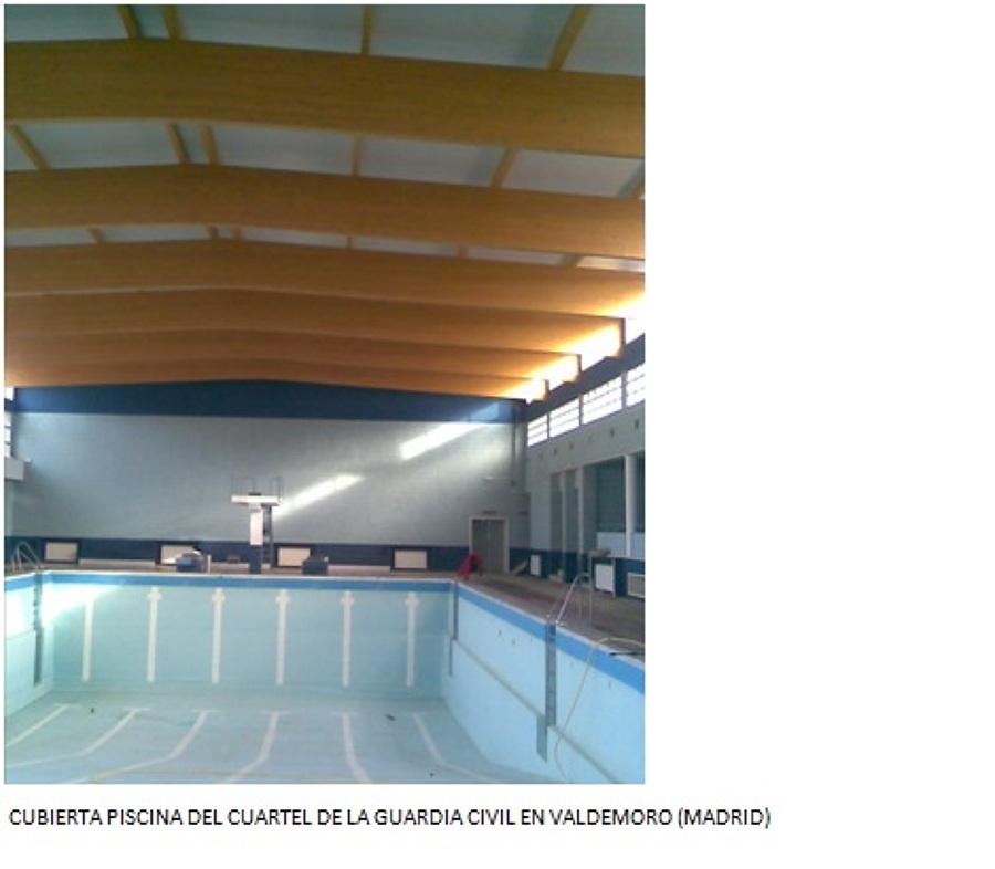 foto cubierta de la piscina del cuartel de la guardia
