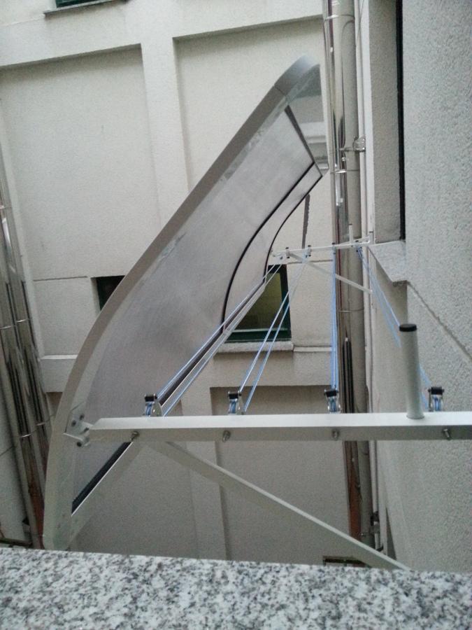 Foto cubre tendedero de ng ventanas s l 718238 habitissimo for Cubre escaleras
