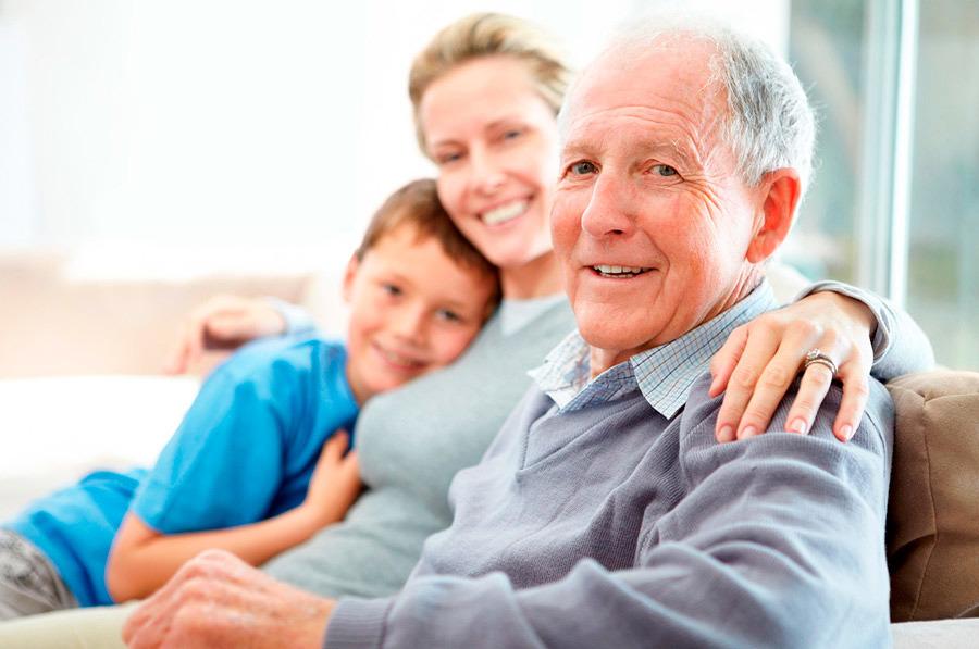 Foto cuidado de ancianos en madrid de home family for Agencia de empleo madrid servicio domestico