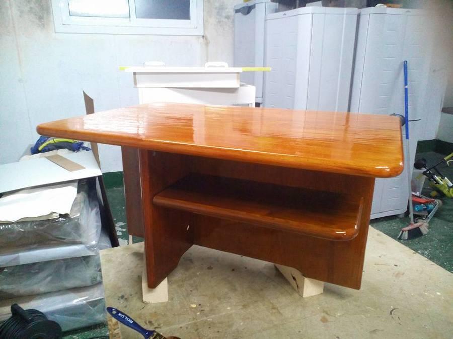 Reparación y barnizado de mesa de Cerne
