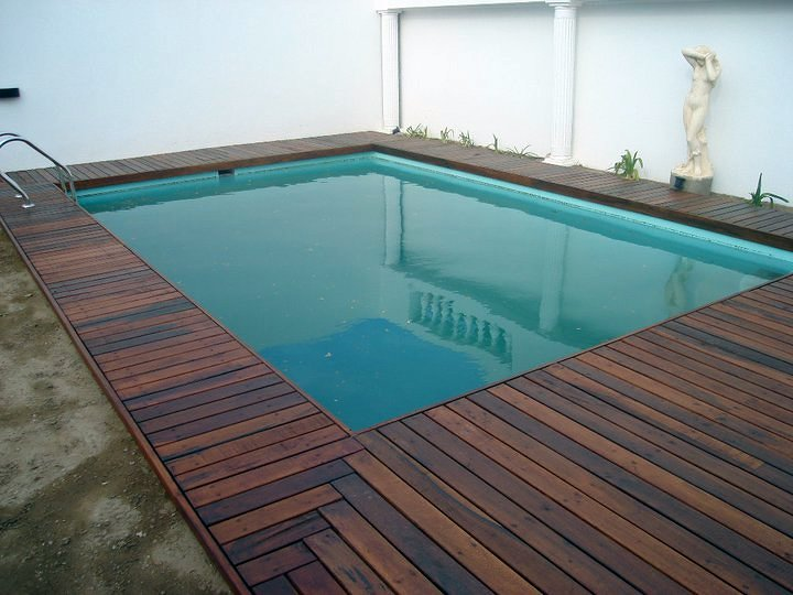 Deck en piscina