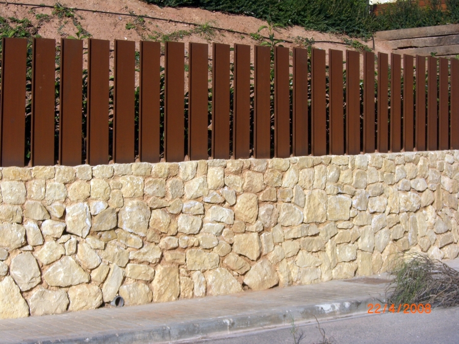 Foto decoracion de muros de construcciones jomapesa s l - Muros de piedra construccion ...