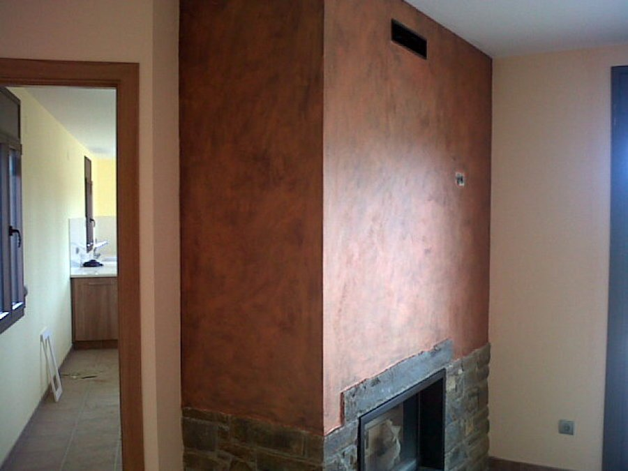 Decoración en chimenea interior