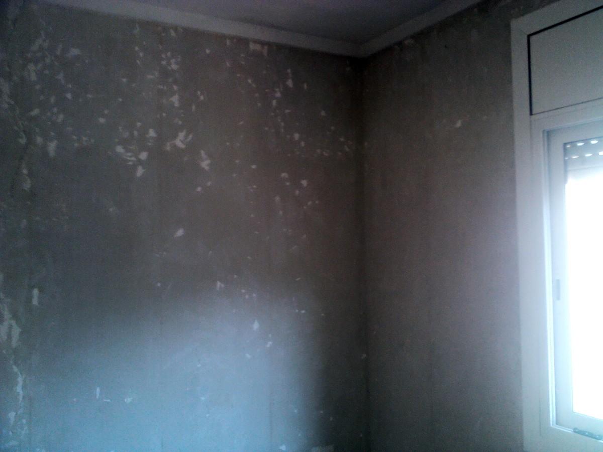Foto despu s de quitar papel y tapar peque as grietas y - Quitar papel pared ...