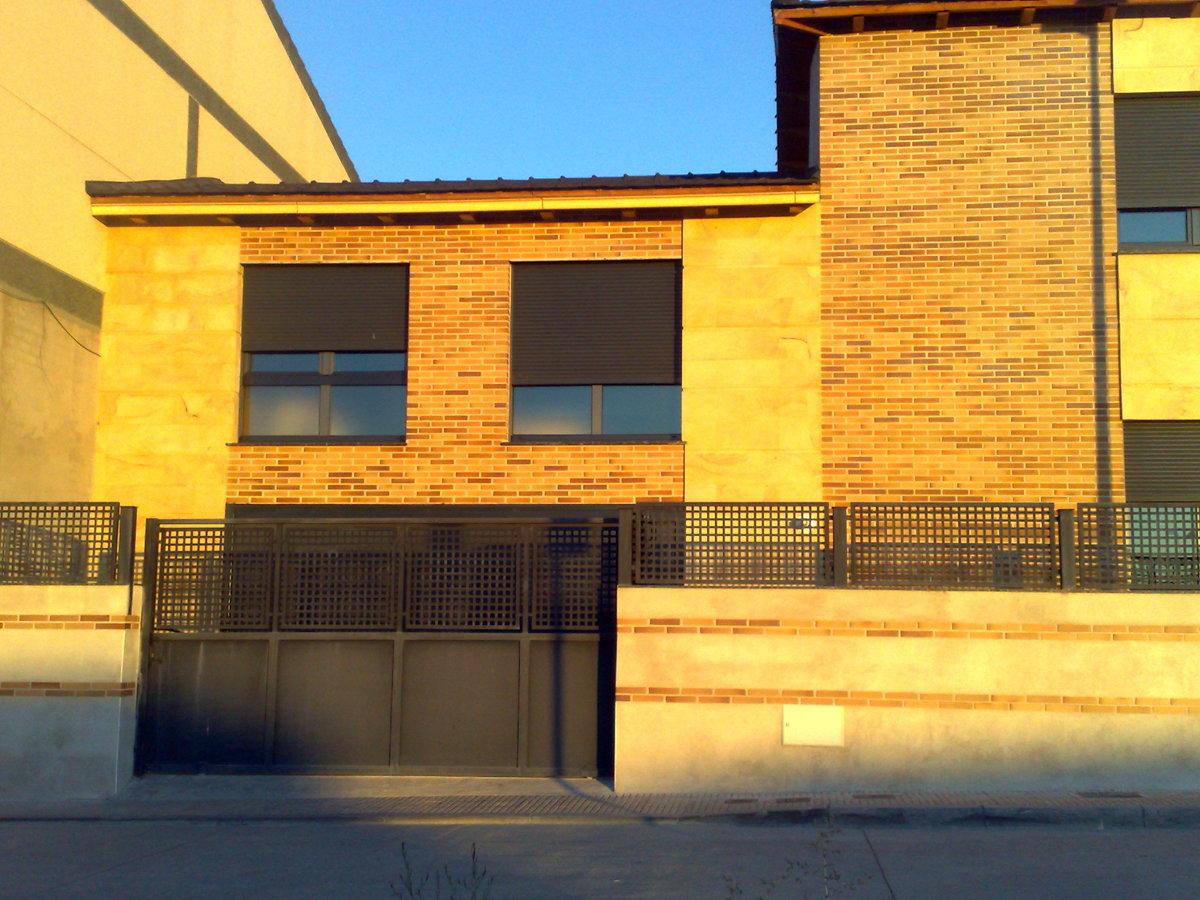 Foto detalle chalet de reformas y saneamientos aldira for Saneamientos valencia