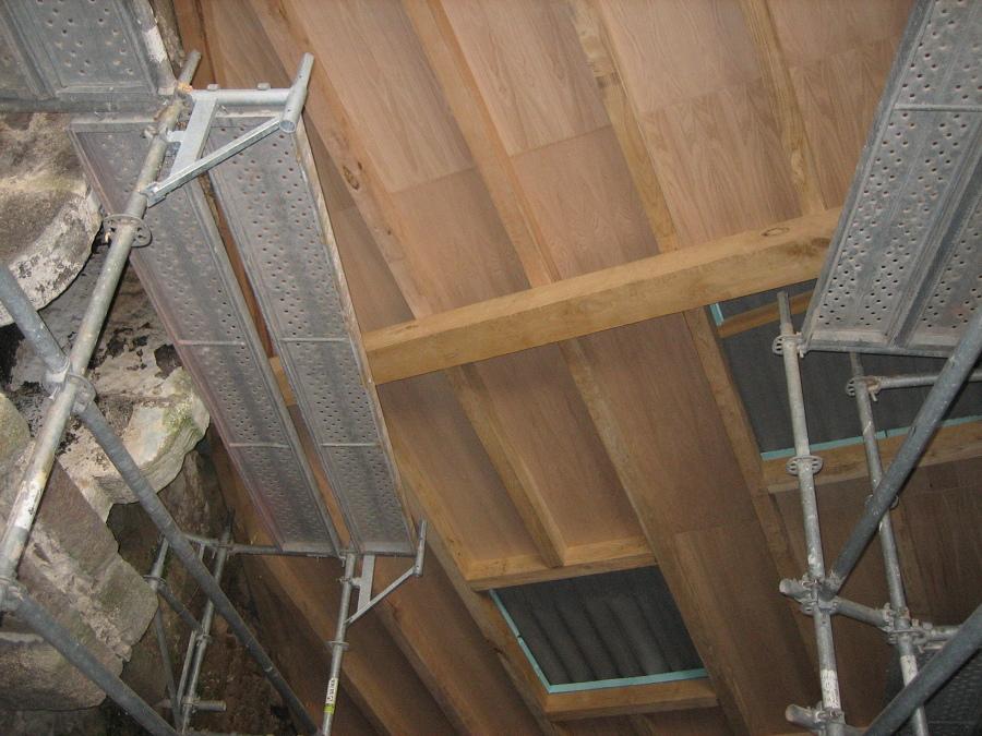 Foto detalle de cubierta en madera de casta o de ip 21 for Madera de castano