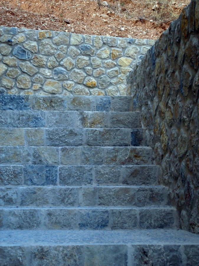 detalle escalera de piedra