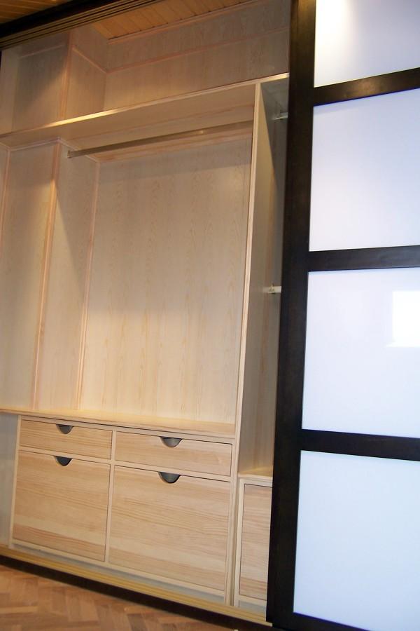 Detalle interior revestimiento armario