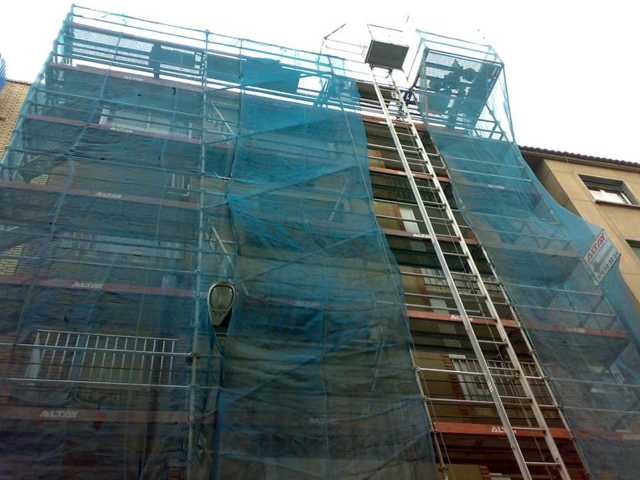 Detalle obra en fachada edificio