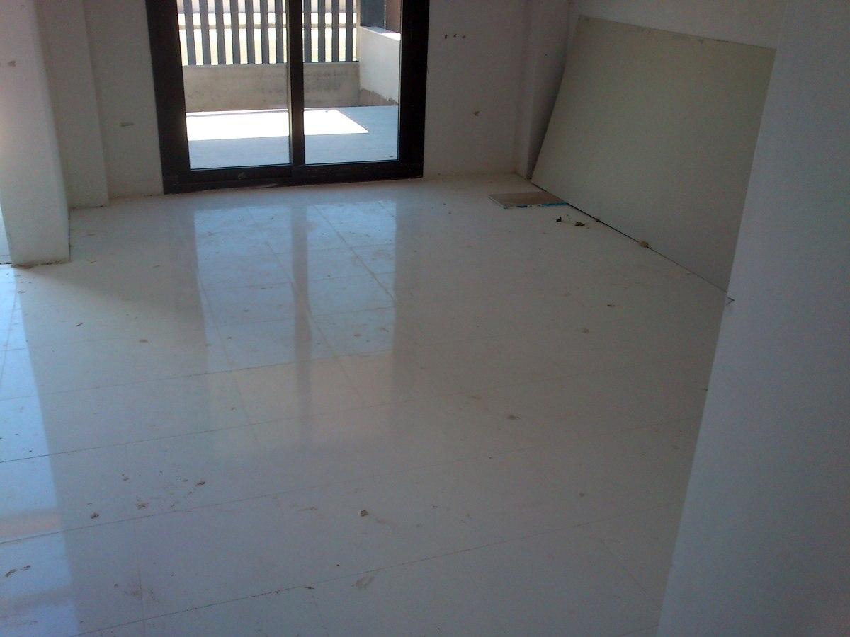 Detalle pavimento ceramico rectificado