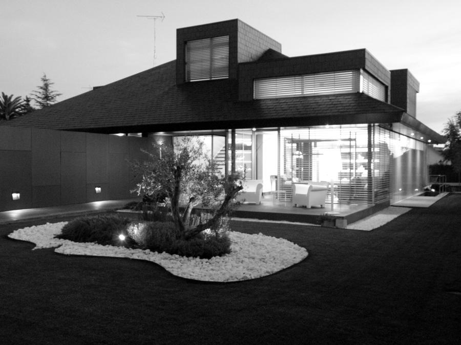 Diseño Jardín y Porche de Vivienda Unifamiliar
