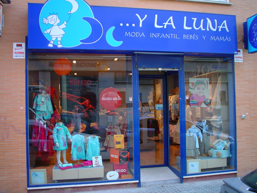 Decoracion tienda de ropa infantil - Diseno ropa infantil ...
