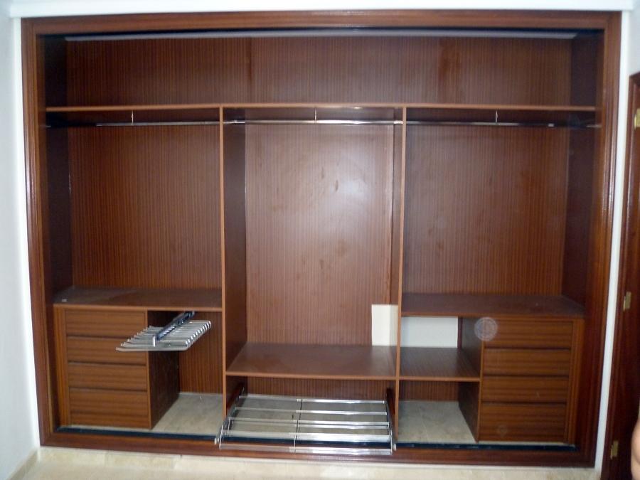 Foto distribuci n armario de reforcasa 211715 habitissimo - Distribucion de armarios roperos ...