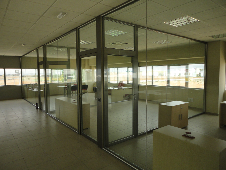 Foto distribuci n de oficinas de construcciones jobigre for Distribucion de oficinas