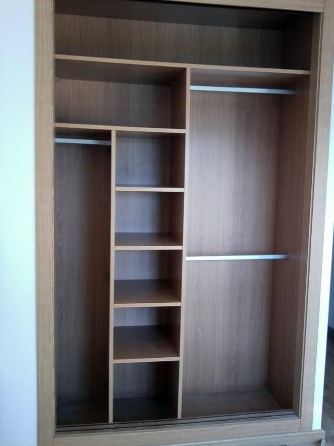 Foto distribuci n del interior de ms armarios empotrados Diseno de interiores closets modernos