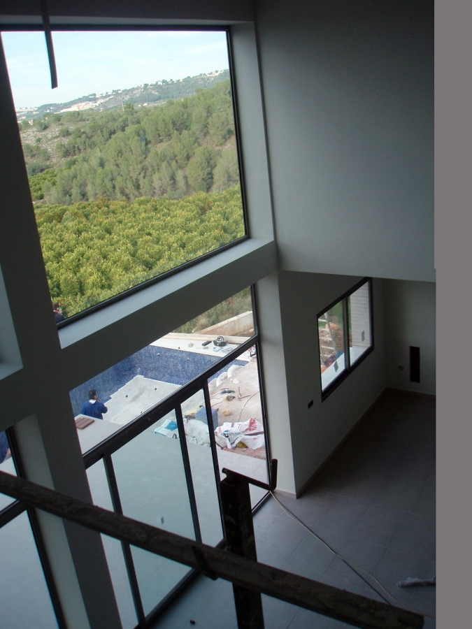 Foto doble altura en sal n de basilio garc a arquitectos - Salon doble altura ...