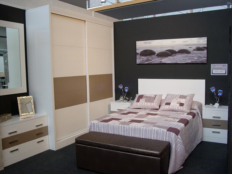 Foto dormitorio gij n de muebles macizos sacristan 229645 habitissimo - Muebles en gijon ...