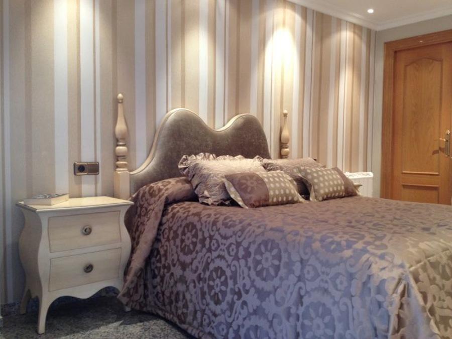 Foto dormitorio matrimonio de serafin mobiliario 650888 for Mobiliario dormitorio matrimonio