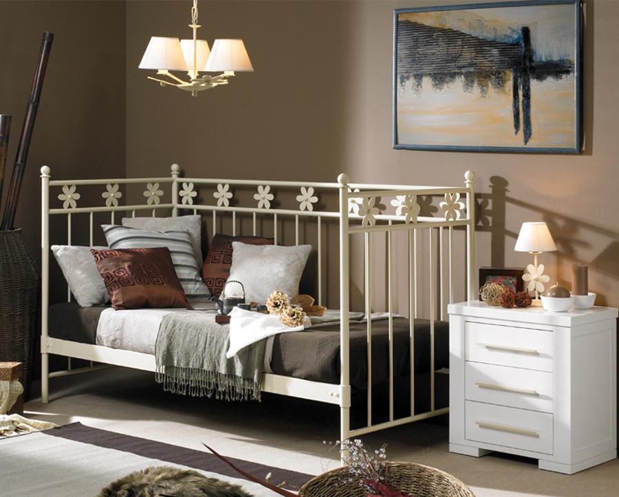 foto dormitorio sofa cama eneas en forja de cosmobili