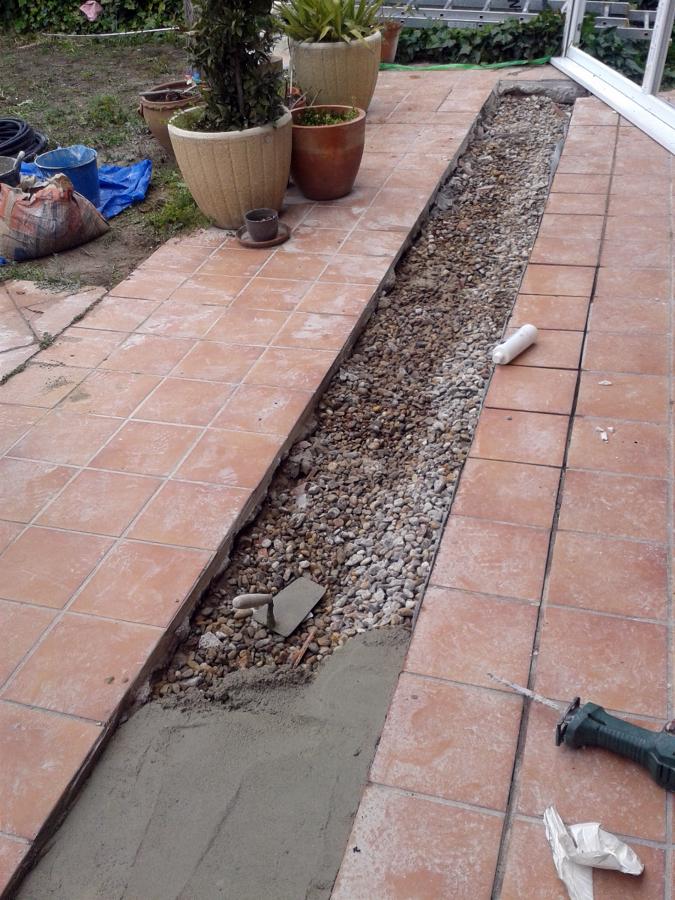 foto drenaje de jard n bajo terraza de chalet unifamiliar