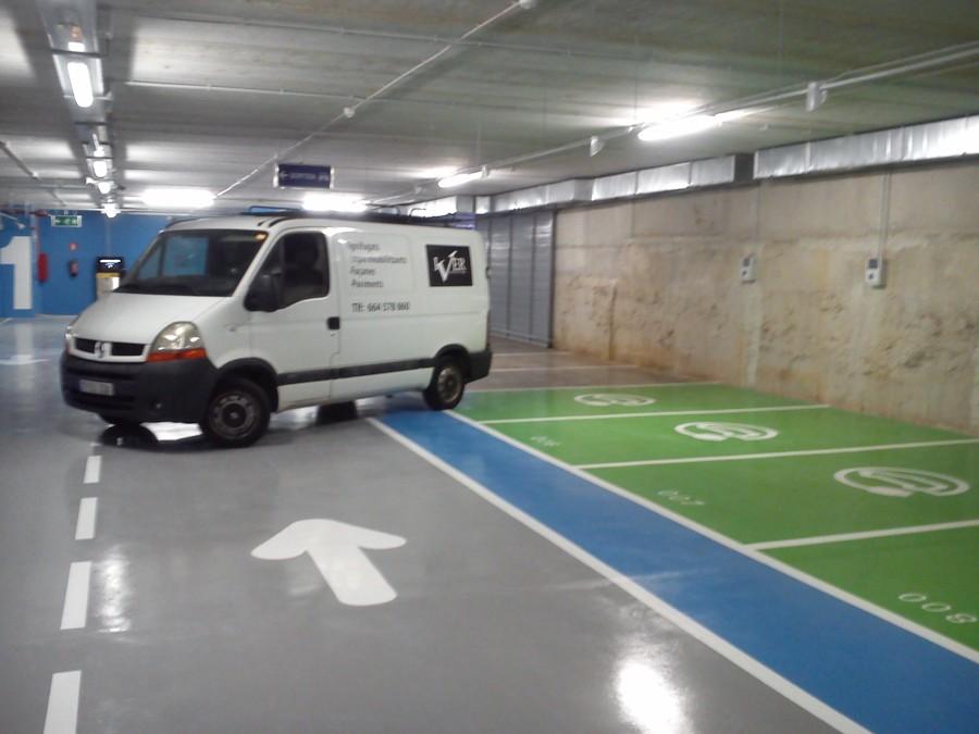 Foto pavimento epoxi en parking roig i ravent s de for Pavimentos barcelona