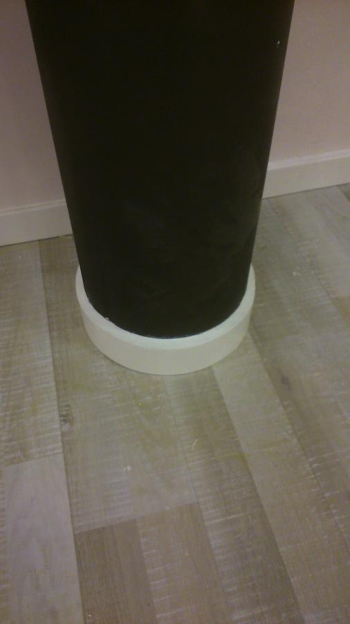 Foto terminacion con zocalo de columna redonda de fuster for Zocalos para garajes