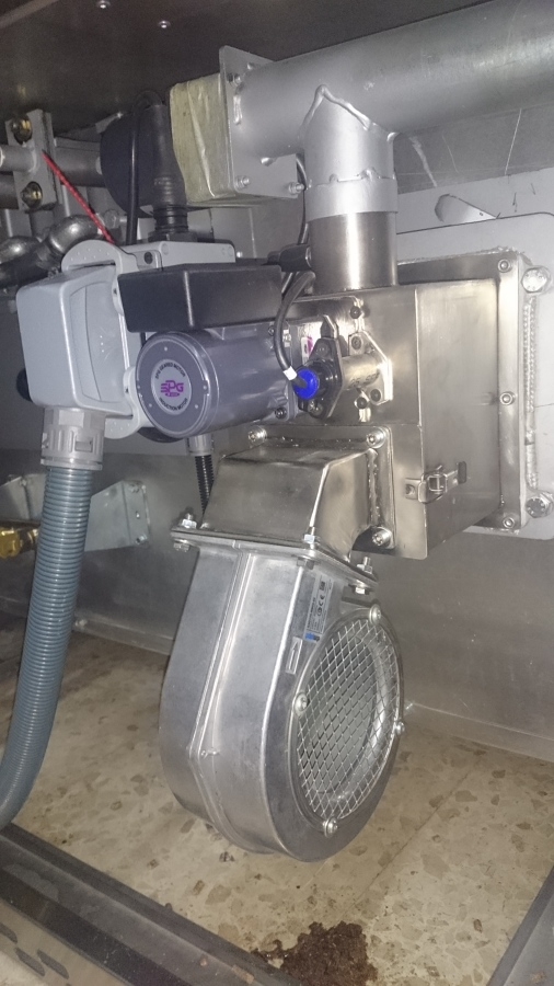Quemador de biomasa policombustible en horno de pan
