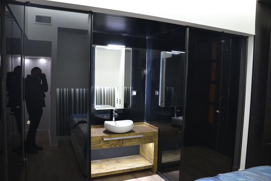 Cristal en separación baños