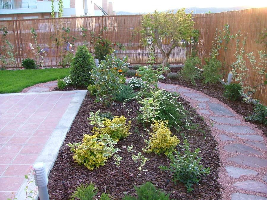 jardin unifamiliar