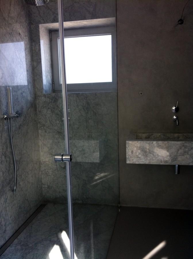Ducha directa en micro cemento