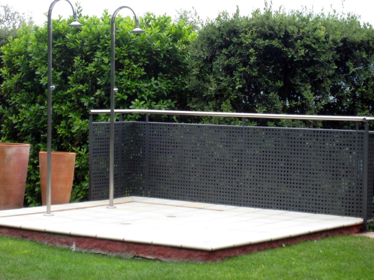Foto duchas exteriores de rubies construccions 318027 habitissimo - Duchas exteriores para piscinas ...