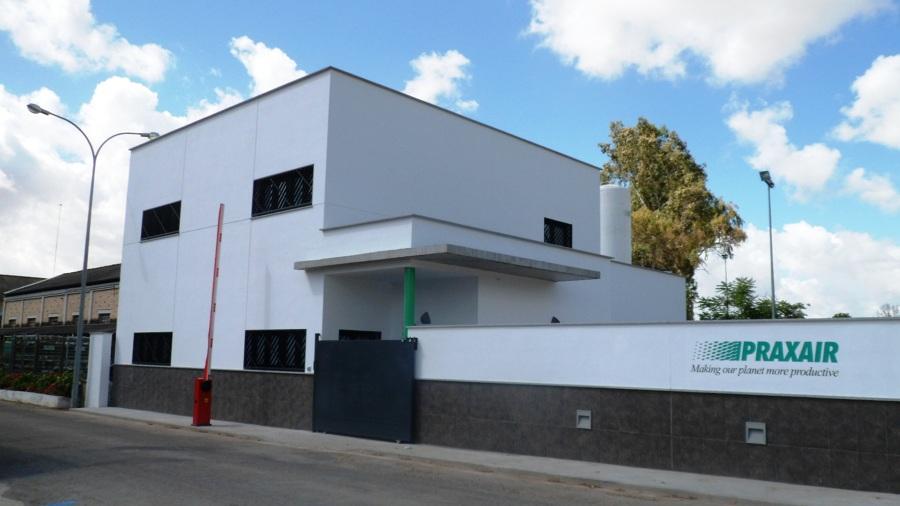Foto edificio de oficinas de praxair en c rdoba de juan for Oficinas bankia cordoba