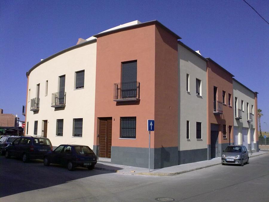Edificio de Viviendas, locales, garajes y oficinas. El Viso del Alcor. Sevilla.