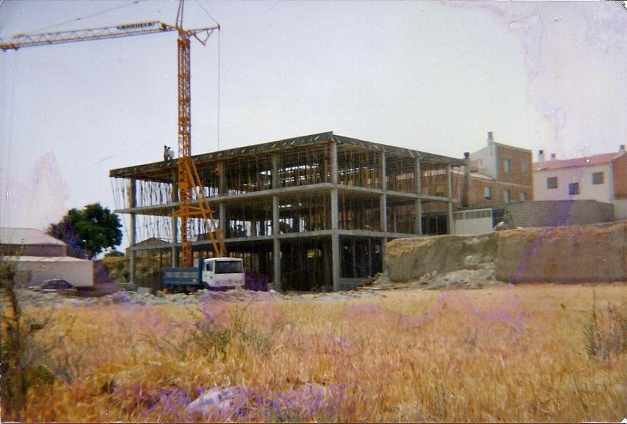 Edificio en caniles