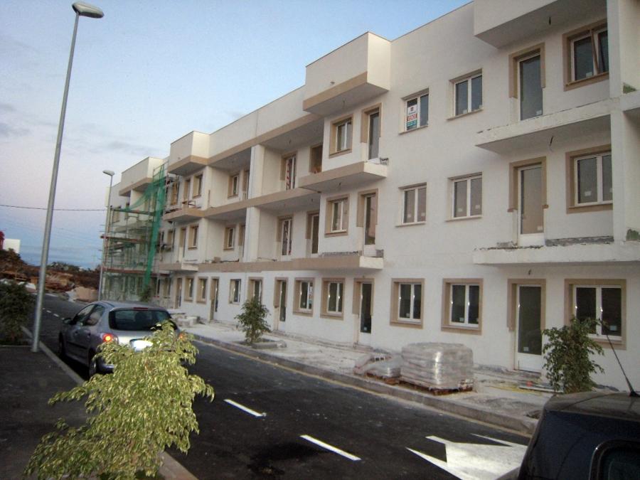 Foto edificio en tenerife de troansc2 313622 habitissimo for Casa minimalista tenerife