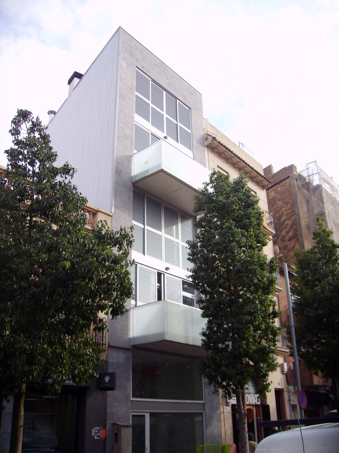 Foto edificio plurifamiliar de viviendas entre medianeras - Arquitectura tecnica sevilla ...