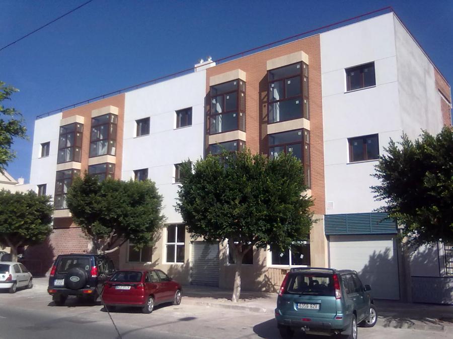 Foto edificio plurifamiliar en ciudad jardin de rojas for Ciudad jardin granada