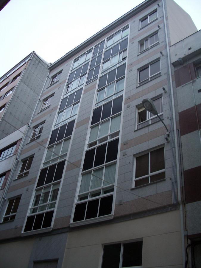 Foto ejecuci n edificio c laracha de construcciones for Piscina laracha
