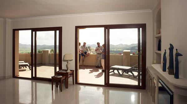 Foto elevadoras y osciloparalelas de ventanas pvc for Puertas osciloparalelas