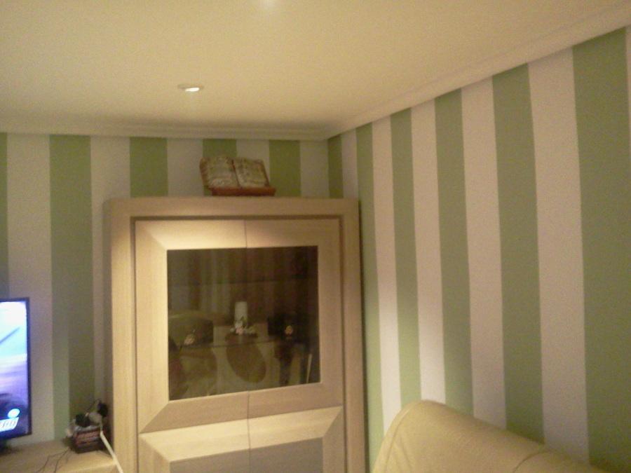 Foto eliminaci n de gota lucir paredes pintura for Pintura turquesa pared