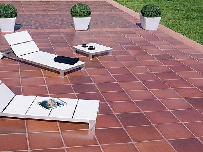 Foto embaldosados de gres en terrazas y jardines de gisec for Baldosas para jardin precios
