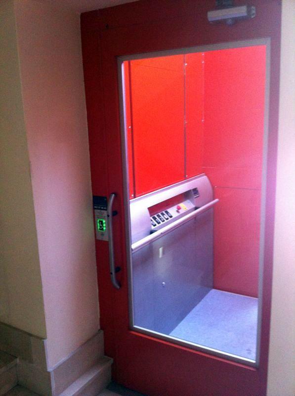 Embarque interior plataforma elevadora Aritco