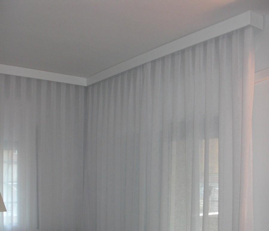 Foto cortina de tablas embellecedor blanco lacado de for Cortinas en blanco