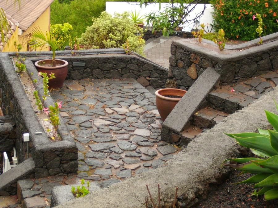 Foto empedrado paterre y escaleras de la piedra 748747 - Escaleras para jardin ...