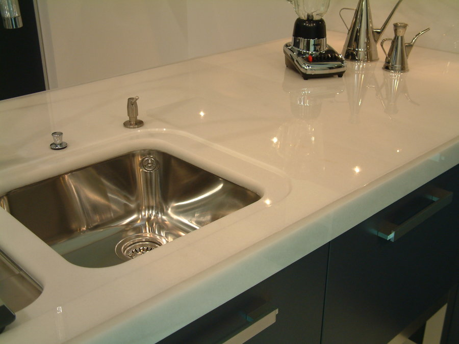 Foto encimera de m rmol blanco de encimeras madrid for Granito blanco real